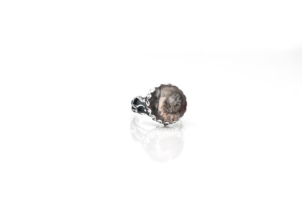 denius-bijuterii-din-argint-inel-din-argint-lucrat-manual-scoica-in-rasina.jpg